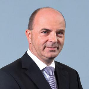 Dr. Falcsik István