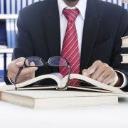 bank, peres eljárás, versenytörvény, szoftverpályázatok