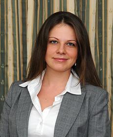 Dr. Kises Éva